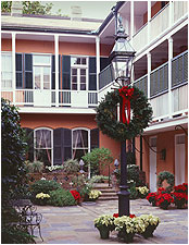 holiday courtyard img
